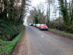 2015 Beaucoup d'automobiles le long des routes pour l'ouverture de la Pêche de la Truite